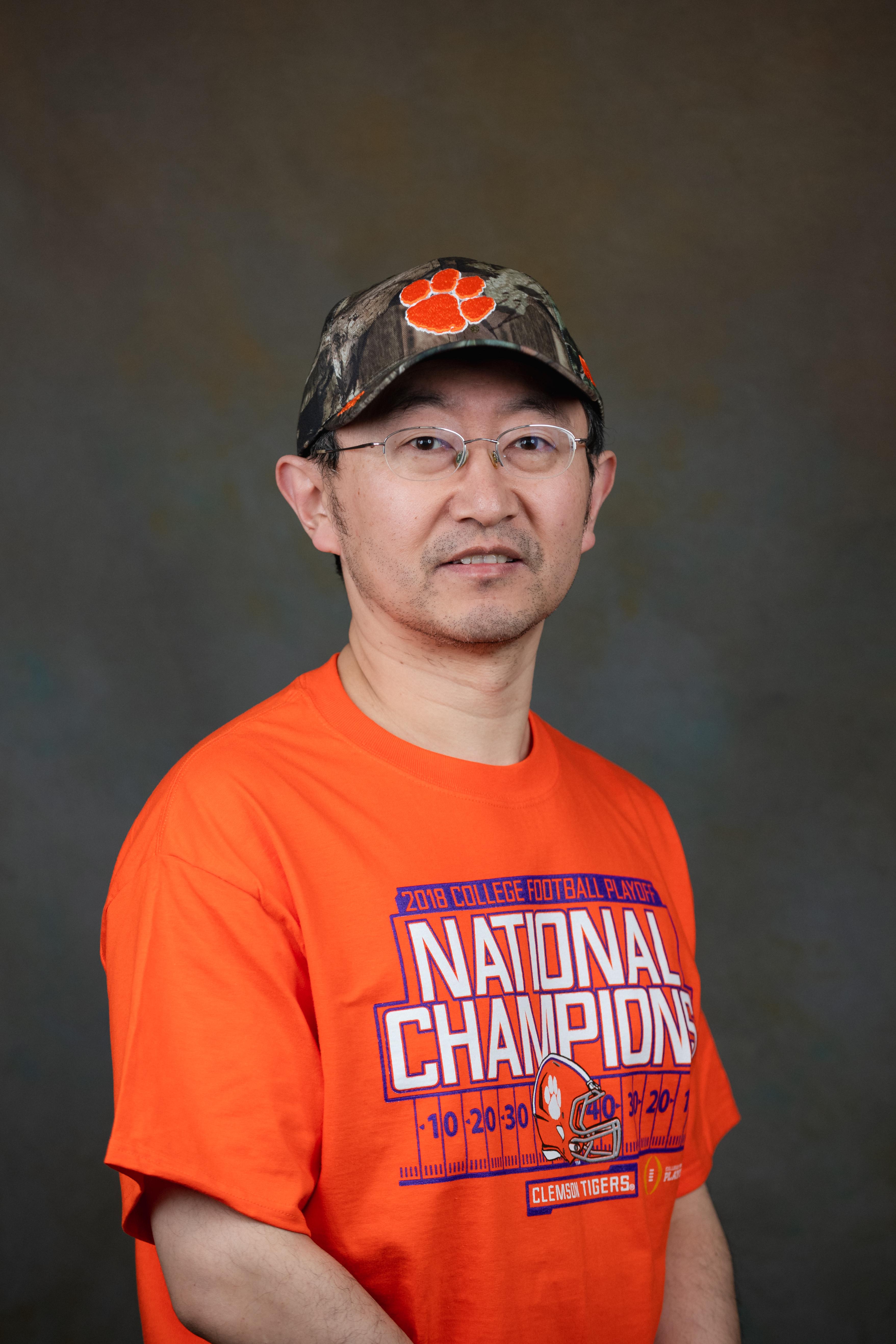 Haijun Qian, Research Specialist lll, Electron Microscope Laboratory, Clemson University, Clemson South Carolina